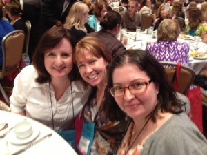 Lunch with Aimee Carson and Twitter pal Julia Broadbooks!